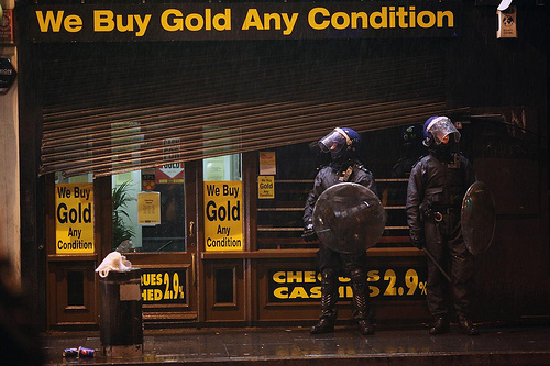 london riot we buy gold